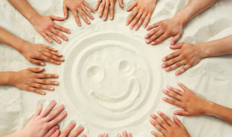 РМО. Форма проведения- мастер-класс » Рисуем на песке»